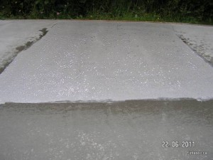 Concrete Floor-After-Sealed-water-beads-1
